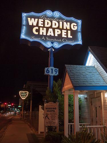 Post image for Graceland Wedding Chapel | Picture Las Vegas